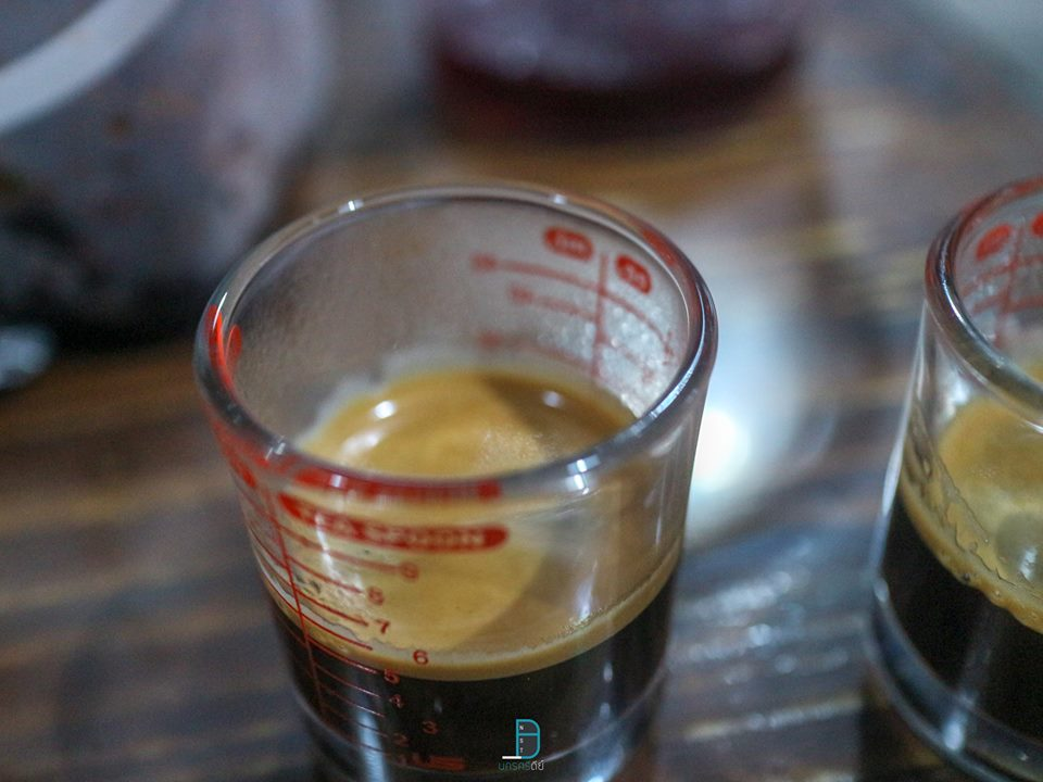 The Perfect Shots by ดร. ยงยุทธ  สายกาแฟ เบเกอรี่ ต้องห้ามพลาด นครศรีดีย์