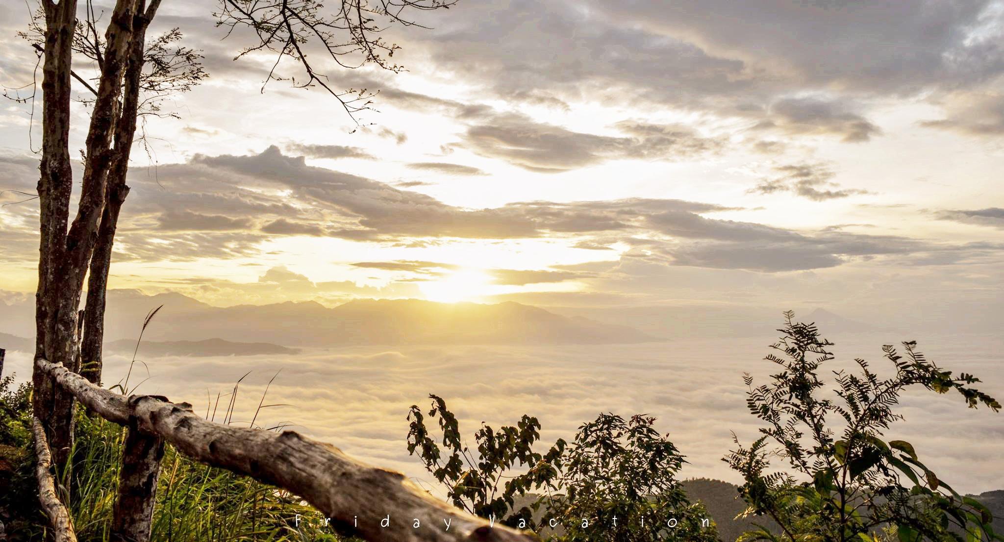 ทะเลหมอกเขาศูนย์ นั่งชมทะเลหมอก ดูพระอาทิตย์ขึ้น สูดอากาศสดชื่น ณ จุดชมวิวยอดเขาศูนย์ นครศรีธรรมราช นครศรีดีย์
