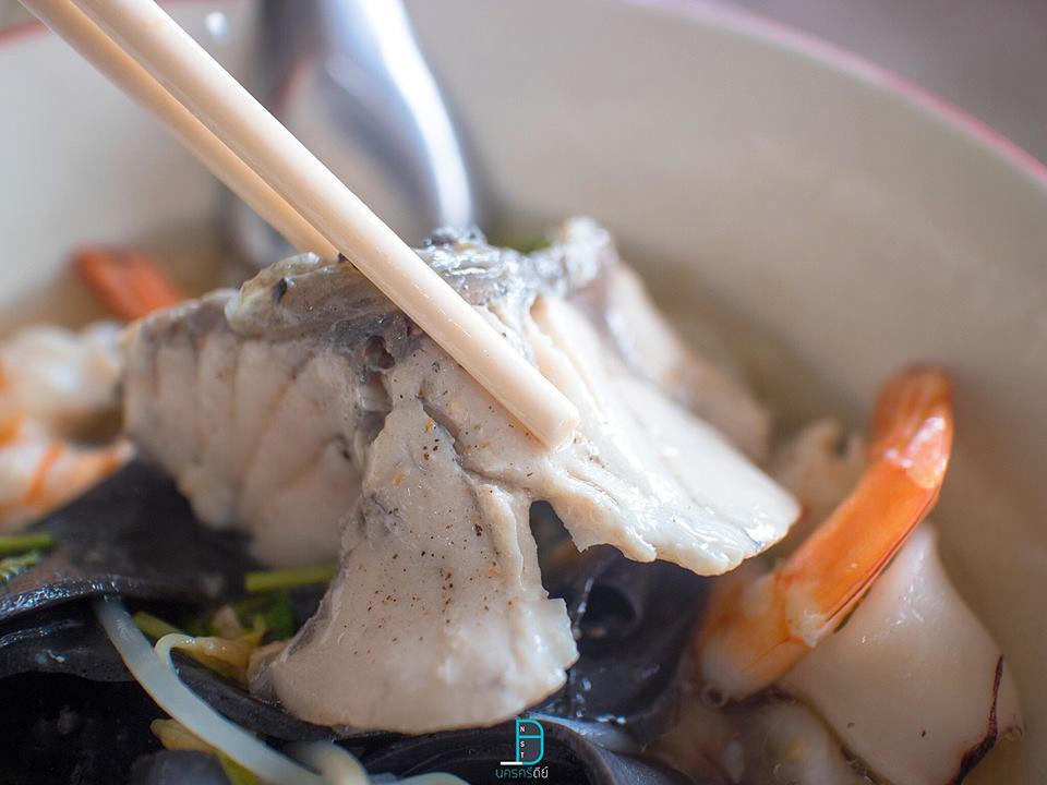 โกอ่างเส้นปลา ก่วยเตี๋ยวเส้นปลาสุดอร่อย นครศรีธรรมราช สายรักสุขภาพห้ามพลาด นครศรีดีย์