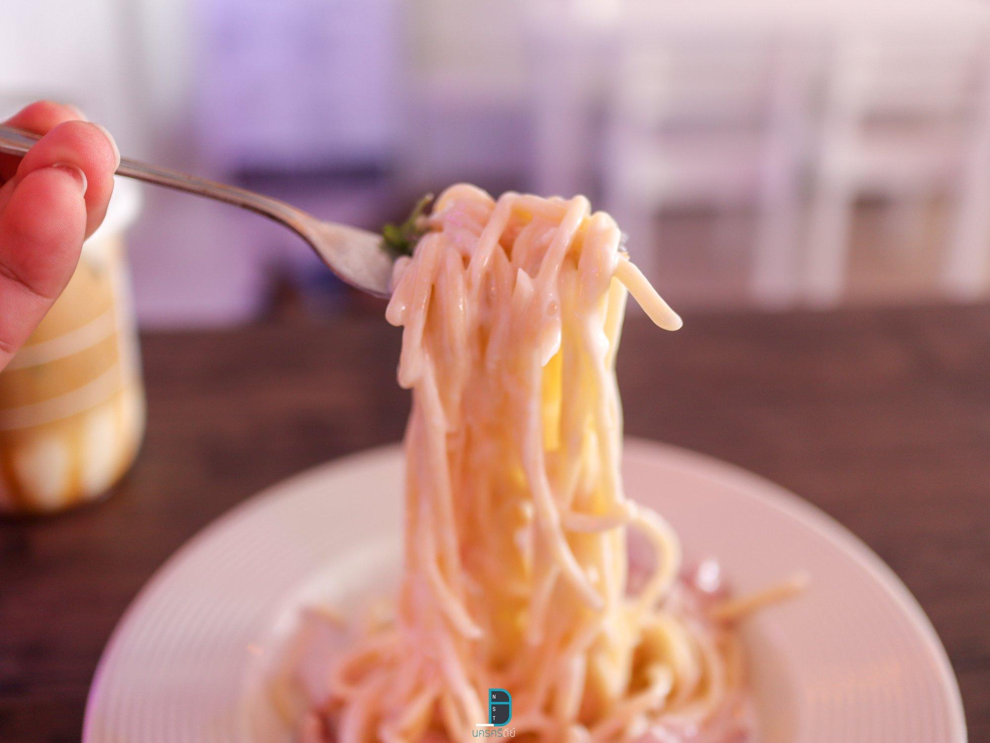 คาเฟ่ไฟนีออนสีชมพูสวยๆ นครศรีธรรมราช 2Sweet Cafe at สะพานยาว  นครศรีดีย์