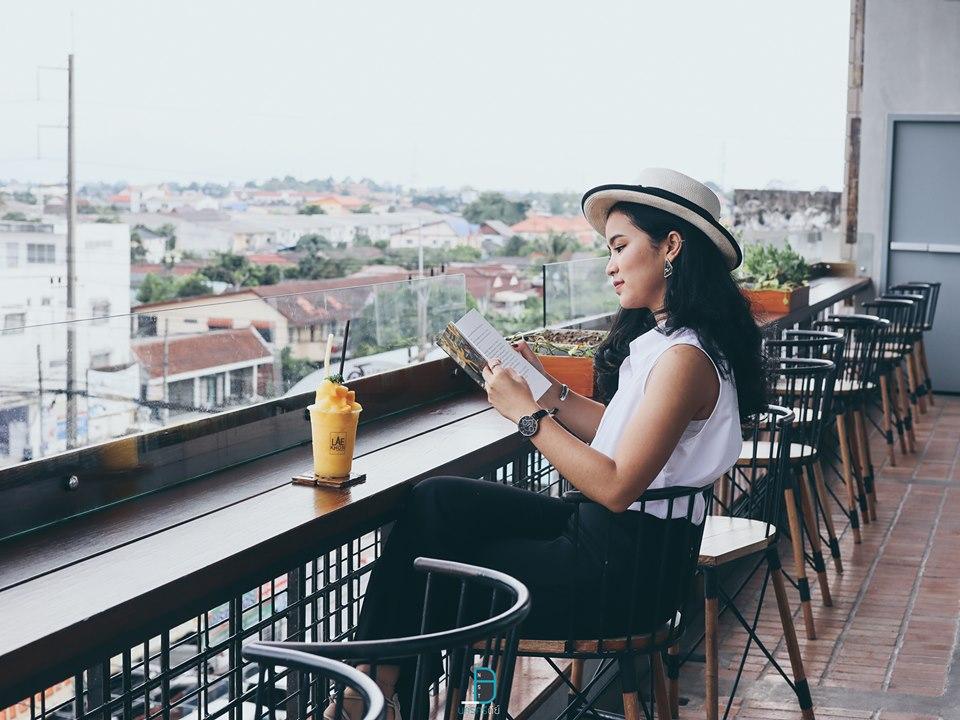 วิวสวยๆ บนชั้นบนสุดของโรงแรม แลคอนนอนบาย เห็นวิวพระธาตุ และวิวอำเภอเมืองสวยๆ อำเภอเมือง,ของกิน,ร้านอร่อย,ที่พัก,นครศรี,โรงแรม,รีสอร์ท,ร้านอาหาร