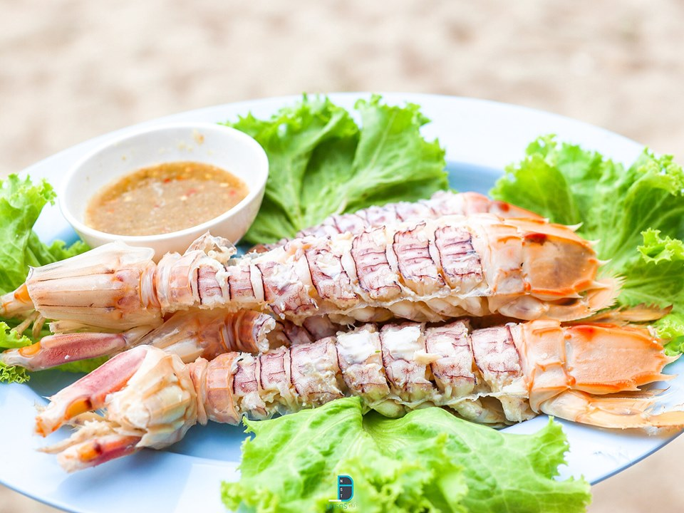 ร้านอาหารทะเลซีฟู๊ด ท่าศาลา นครศรีธรรมราช ครัวทะเล หาดบ่อนนท์  นครศรีดีย์