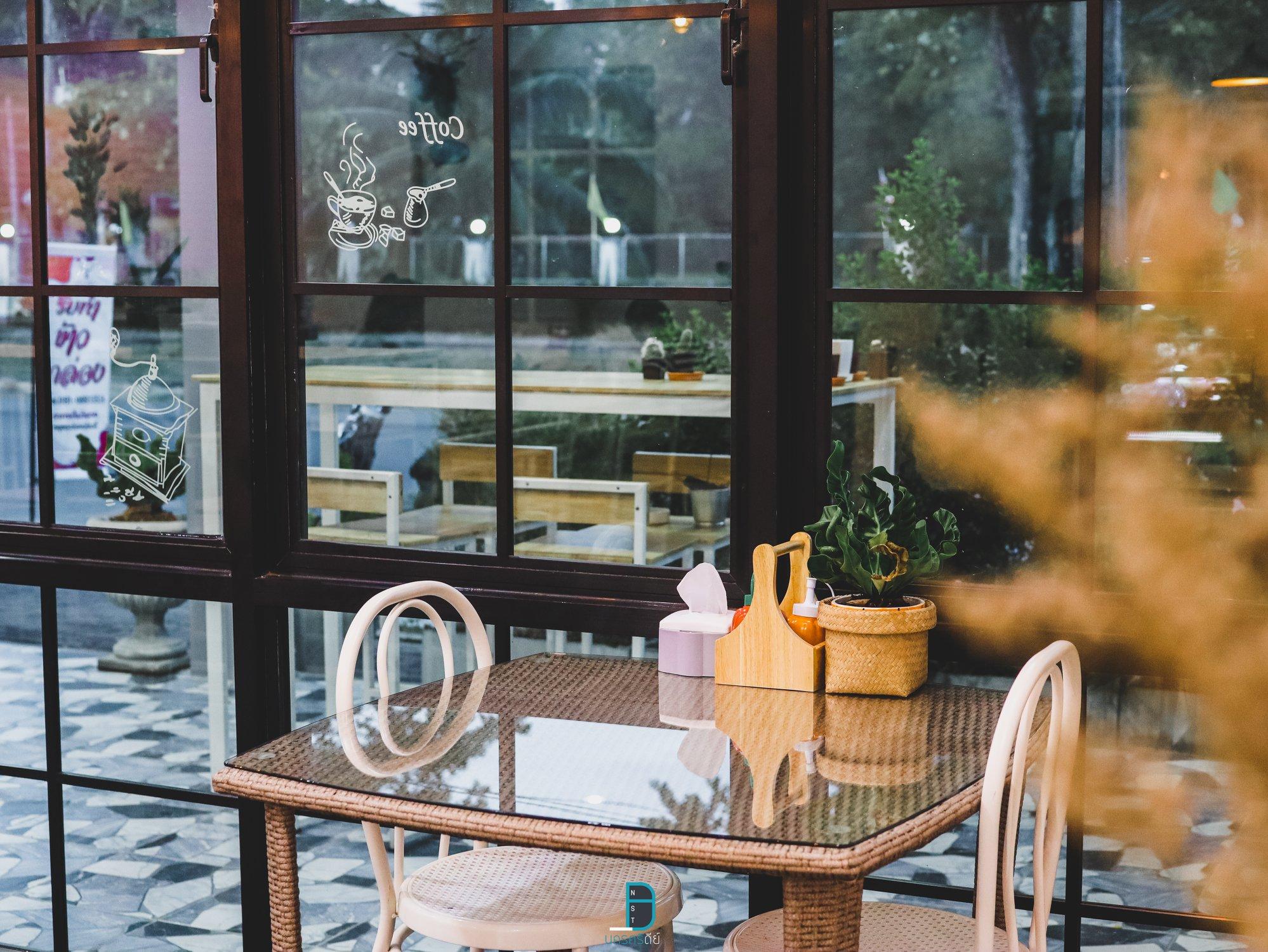 คาเฟ่ ฉวาง โทนขาวสไตล์มินิมอลน่ารัก Sima Cafe ศิมา คาเฟ่  นครศรีธรรมราช นครศรีดีย์