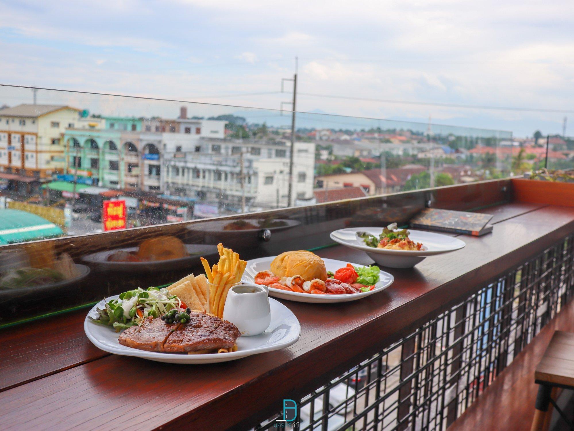 นั่งชิวๆ กับ Rooftop ลมสบายๆ ตั้งแต่ 11.00 - 23.59 กันเลยทีเดียวแลคอน,rooftop,นครศรีธรรมราช,โรงแรม,ร้านอาหาร,เด็ด,สวย,วิวหลักล้าน
