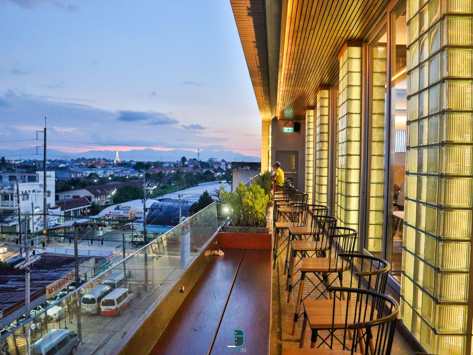 Rooftop นครศรีธรรมราช แลคอน รูฟท็อป ร้านอาหารนั่งชิว ชมวิวสวยๆเมืองคอน นครศรีดีย์