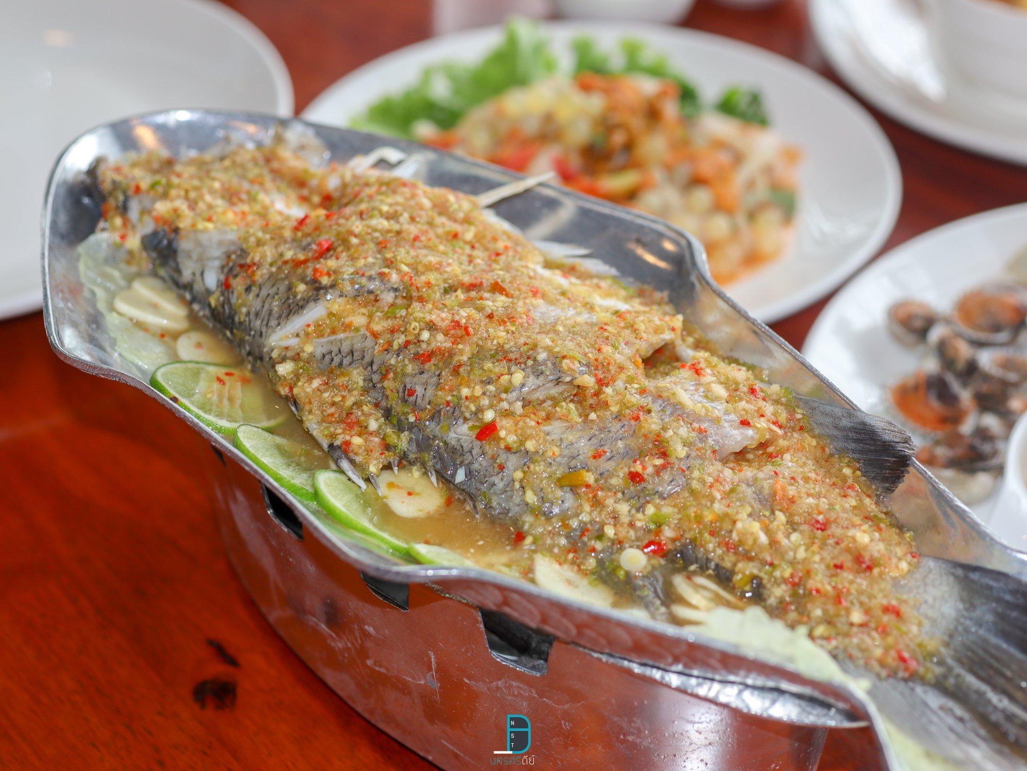 ร้านอาหารทะเล อำเภอเมืองนครศรีธรรมราช บ้านทะเล ครบ จานเดียว กับข้าว มีครบ นครศรีดีย์