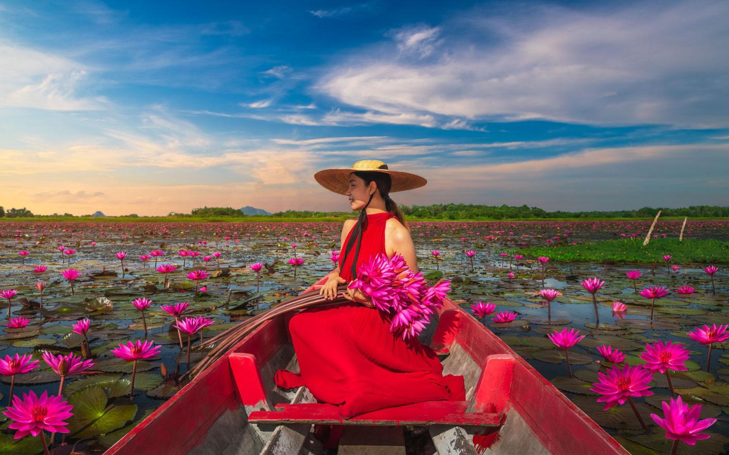 1.-ทะเลน้อย-ทะเลสาบน้ำจืด-ที่เต็มไปด้วยความสวยงามของธรรมชาติ-นั่งเรือชมความงามของดอกบัว-นกนานาชนิด-และควายน้ำ-สวยจริงๆต้องมาน้าา ที่เที่ยว,ที่พัก,พัทลุง,การท่องเที่ยว,ประเทศไทย,วิถีชีวิต,ชุมชน,ดริฟท์กาแฟ