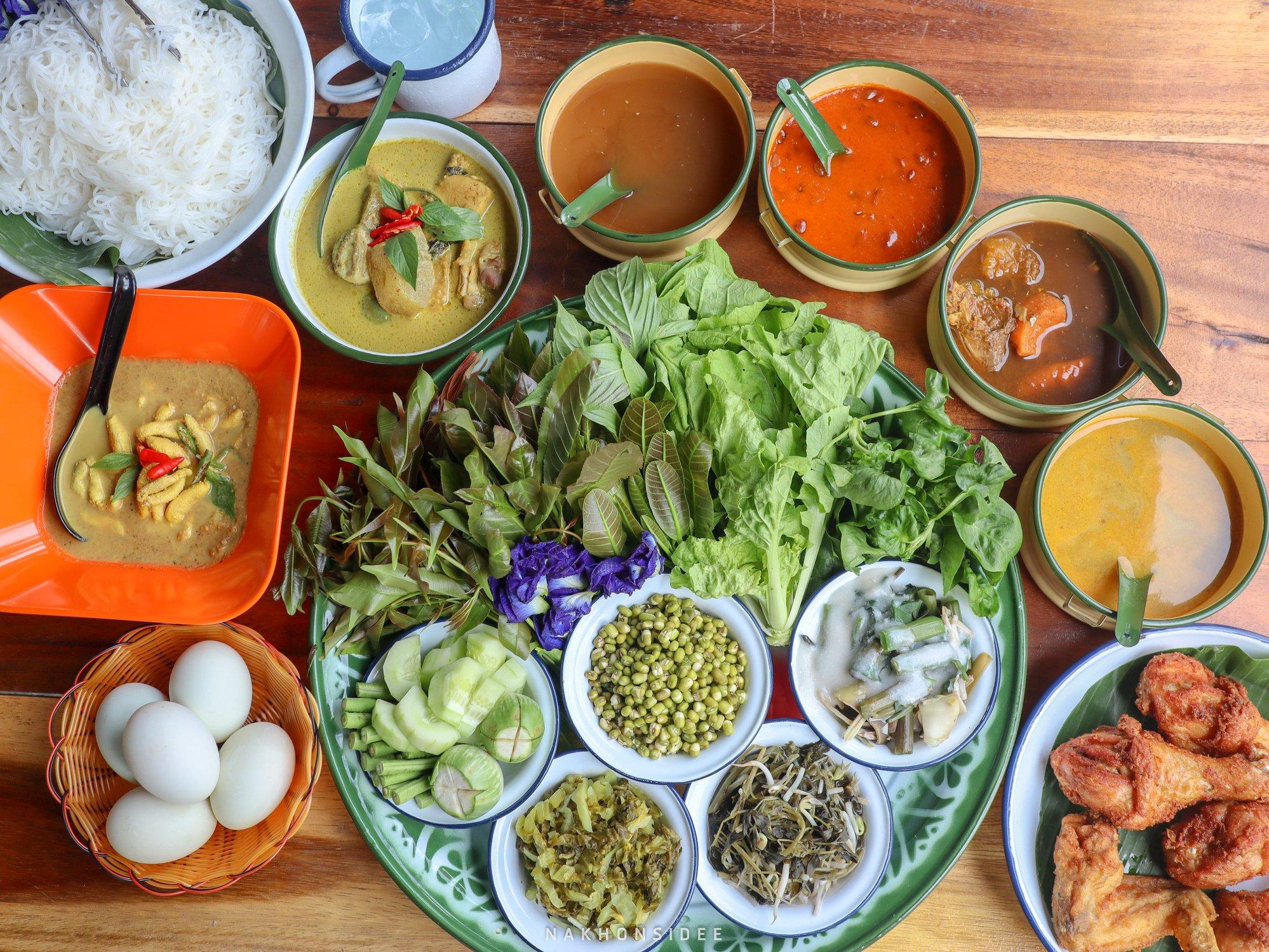 ขนมจีน,บ้านไข่,อร่อย,วัดเจดีย์,ตาไข่,สิชล,นครศรีธรรมราช,ไก่ทอด