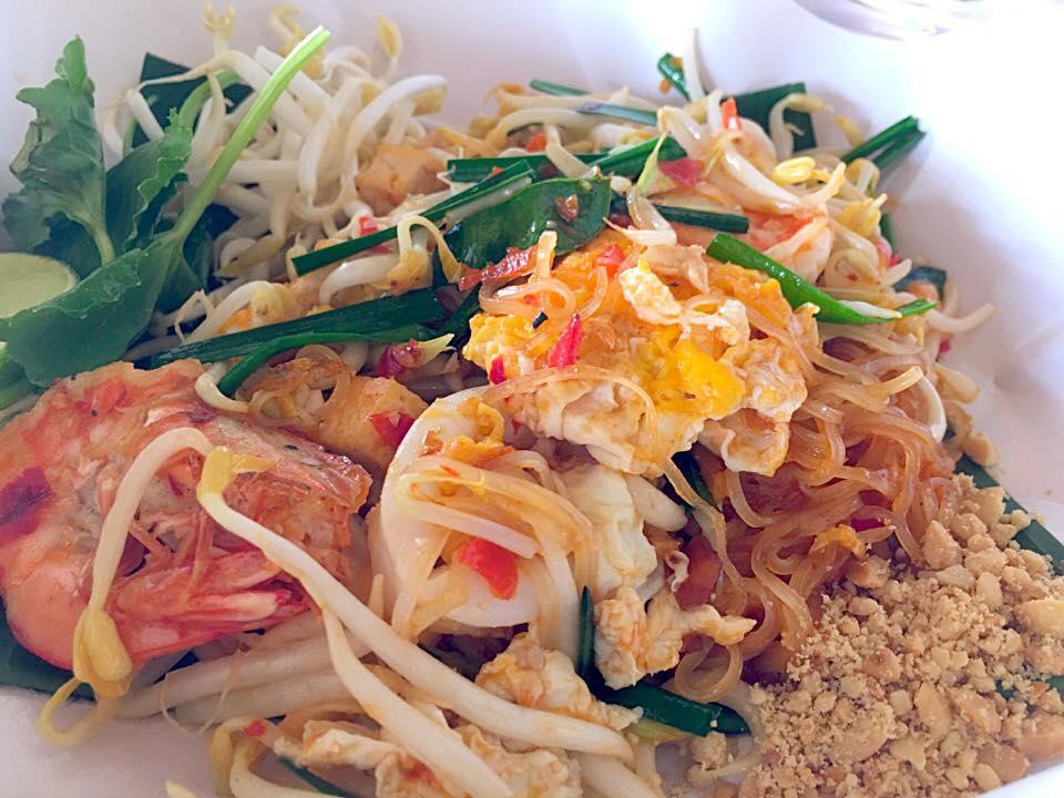 สุดยอดผัดไทย ผัดไทยกุ้งคลอง at เมืองคอน  นครศรีดีย์