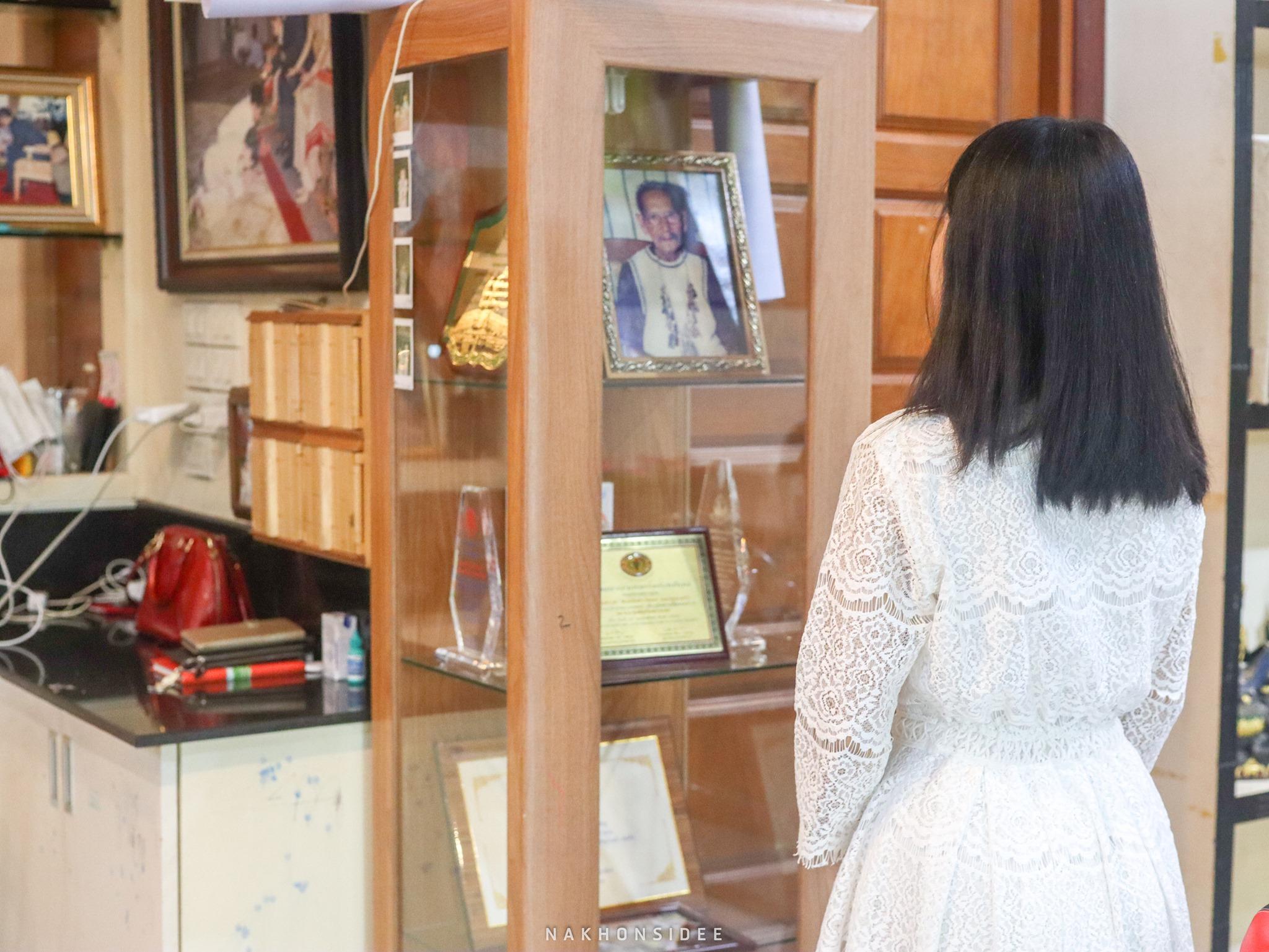 ภายในบ้าน-มีรูปและผลงานของท่านให้ศึกษามากมาย บ้านขุนพันธ์,สายมู,สายบุญ,นครศรีธรรมราช,ขุนพันธรักษ์ราชเดช
