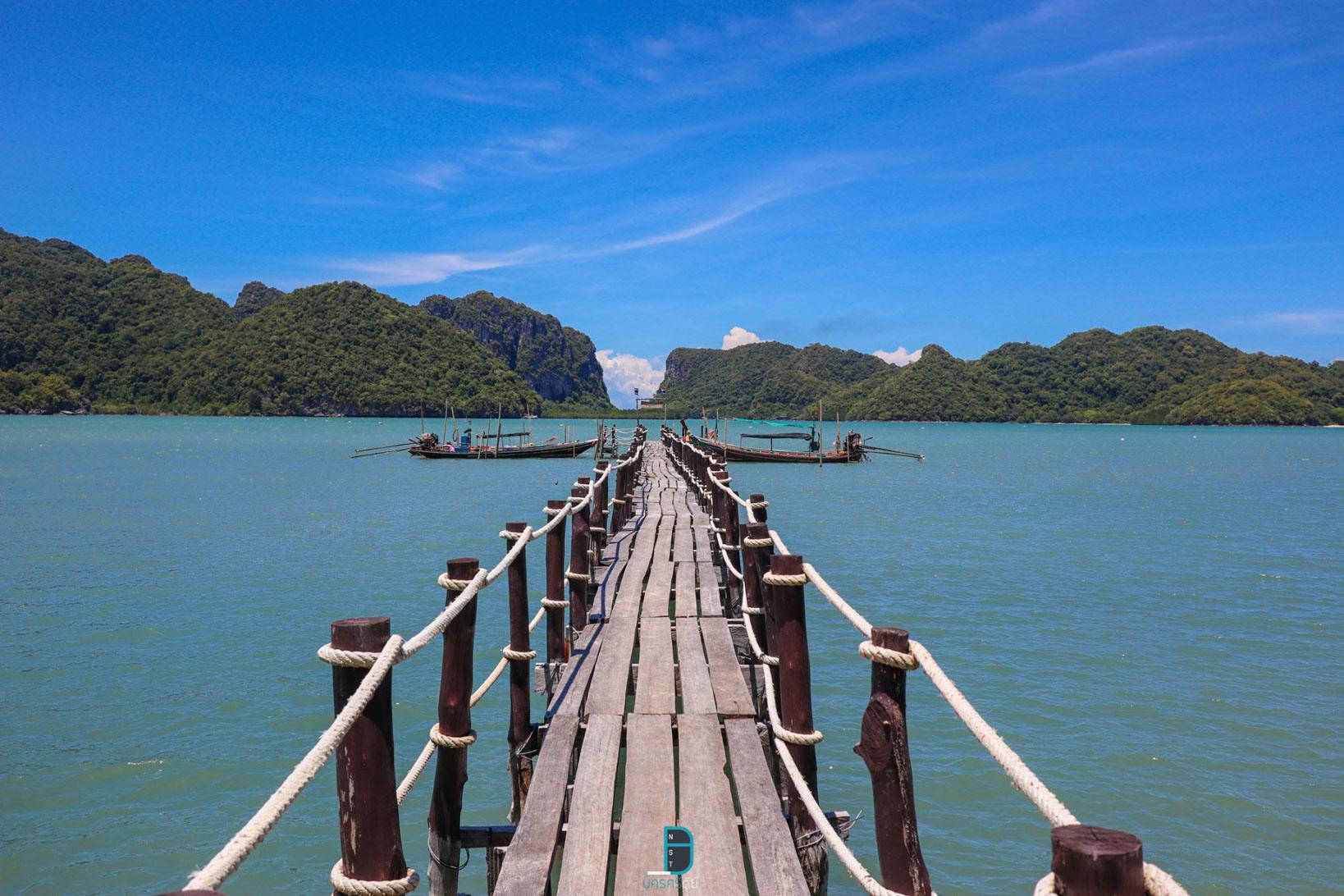 สะพานไม้อ่าวเตล็ด ขอบอกว่าสวยจริงๆกับจุดนี้-ใครมาก็ต้องได้ซักรูปติดมือไปเน้ออออ ที่พักขนอม,นครศรี,ขนอม,วิวหลักล้าน,ทะเล,ธรรมชาติ,ภูเขา,โรงแรม,รีสอร์ท