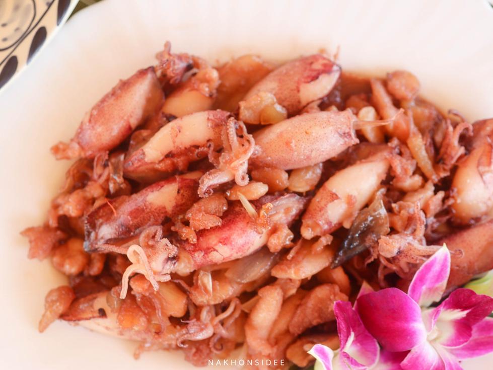 หมึกไข่หวาน-อันนี้อร่อยมาก-ไข่เน้นๆเลย  ที่พัก,สิชล,ใจดีรีสอร์ท,สุดสวย,วิวทะเล,สไตล์เรือนไทย