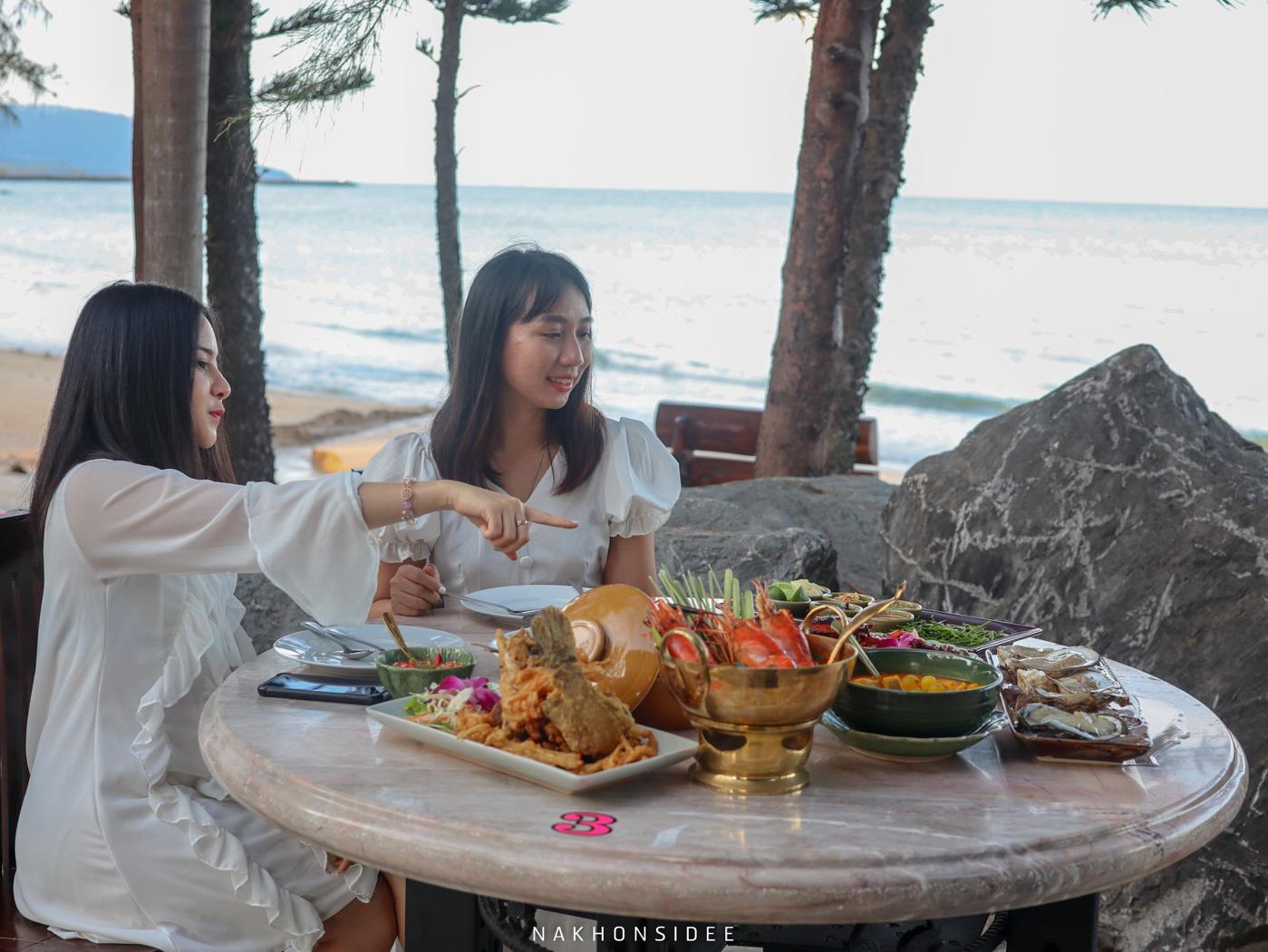 อ่าวสิชล,ซีฟู๊ด,ของกิน,ร้านอาหารทะเล,ริมทะเล,สิชล