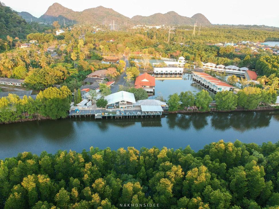 บรรยากาศรอบๆ รีสอร์ท อนาวิลล่า,ตังเก,รีสอร์ท,ที่พักกลางป่า,วิวหลักล้าน,ริมน้ำ,ครัวตังเก,ร้านอาหารทะเล