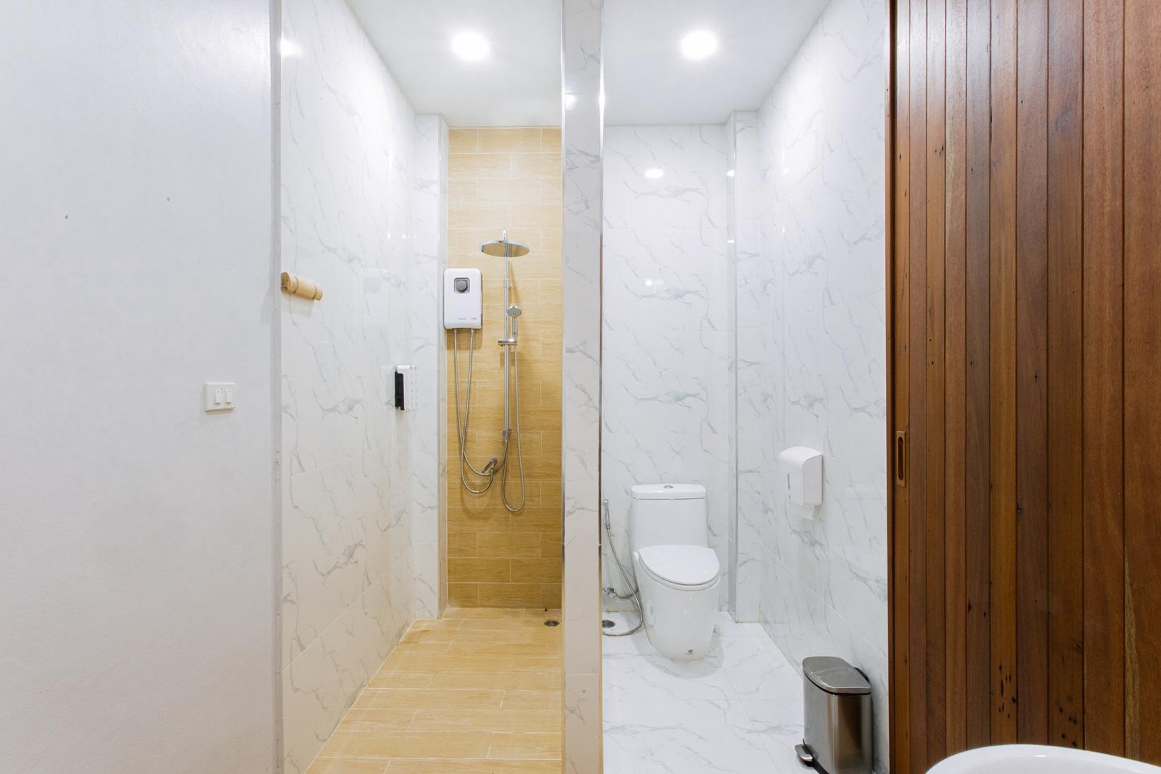 ห้องน้ำใช้อุปกรณ์และวัสดุเฟอร์นิเจอร์อย่างดีเลยครับ  บ้านขุนเล,ขุนเลคอฟฟี่,ลานสกา,นครศรี,ที่พักเปิดใหม่,รีสอร์ท
