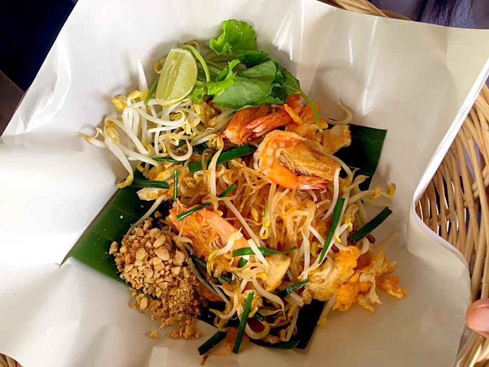 สุดยอดผัดไทย ผัดไทยกุ้งคลอง at เมืองคอน